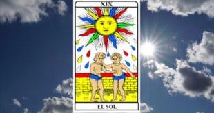 Carta dei Tarocchi Il Sole - Arcano XIX. Significato e combinazioni