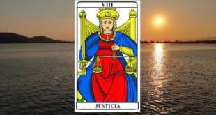 Carta dei Tarocchi Giustizia - Arcano VIII. Significato e combinazioni