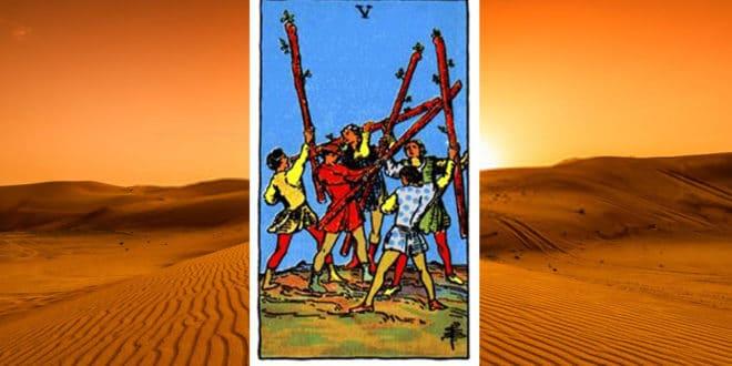 Carta dei Tarocchi Cinque di Bastoni - Arcani Minori - Significato